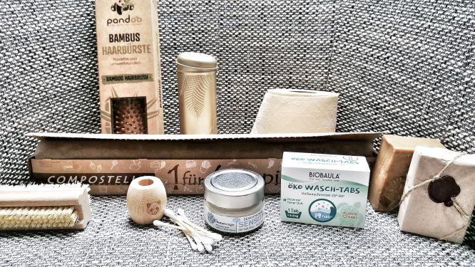 verschiedene Produkte mit grauem Hintergrund